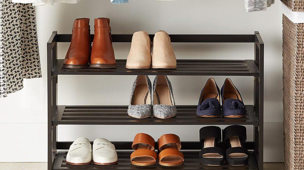 Como guardar os sapatos para prevenir o mau cheiro