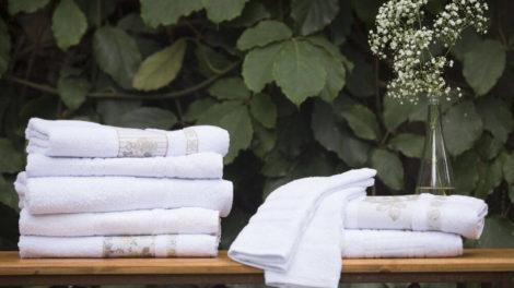 Como desencardir panos e toalhas