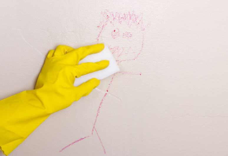 Como tirar mancha de caneta das paredes