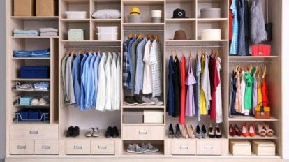Organizadores para ampliar o espaço no seu armário: conheça 5 deles